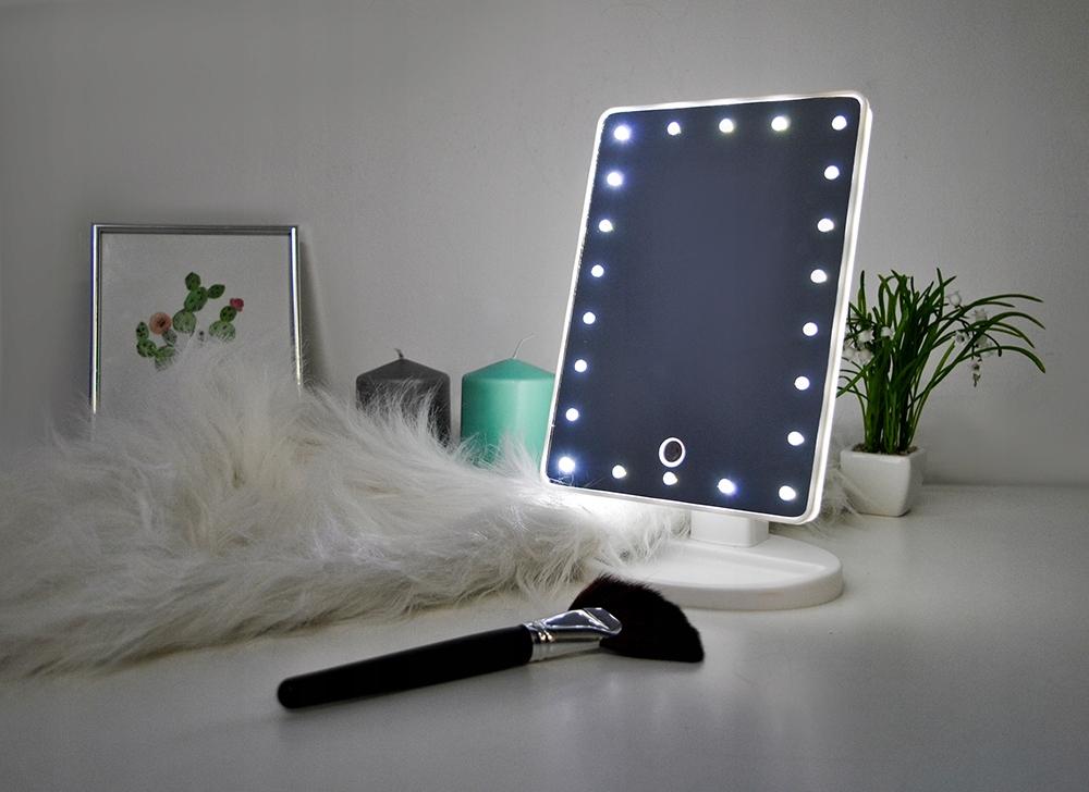 Lusterko z podświetlenie LED i ściemniaczem