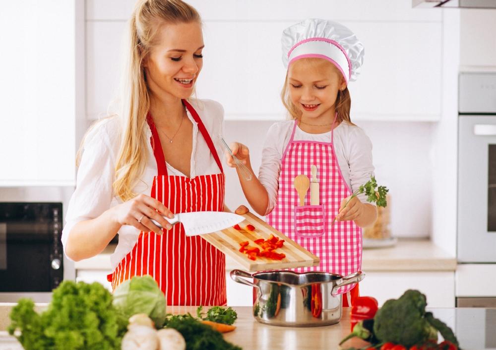 Zestaw kucharza do gotowani dla dzieci czpaka fartuszek wałek
